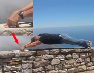 Garin Bader 2 finger pushups